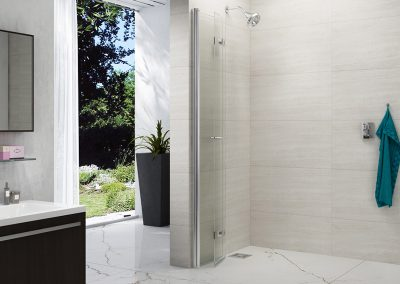 8_Series_Folding_Showerwall_Closed_LR